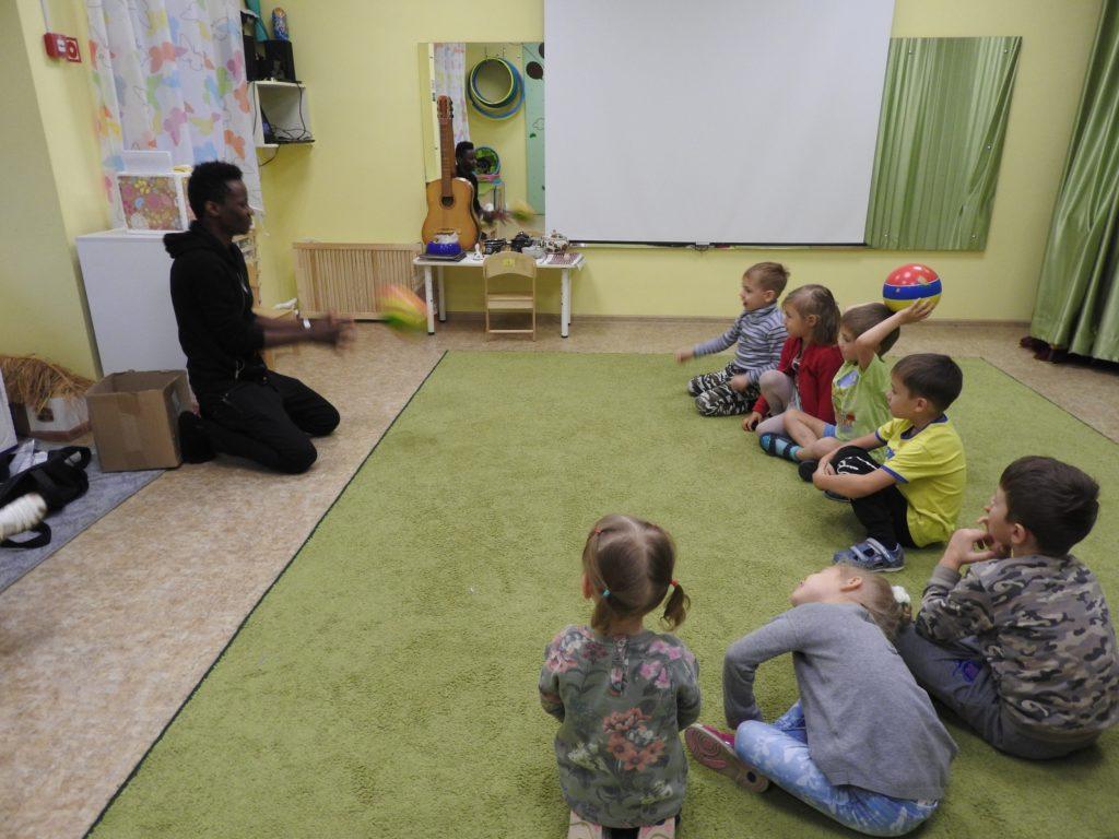 Изучение английского в детском садике